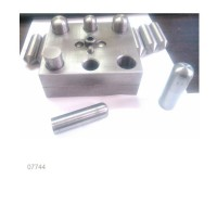cutter-set-plate-with-discs-and-center-positioning-dies